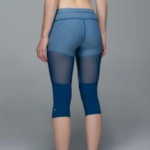 LULULEMON Training Tough Crop Legging Size 4
